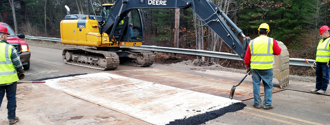 imgWest River Road at Black Creek Temporary Steel Plates 2016